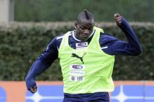 Italy torn between Francesco Totti and Mario Balotelli