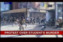 Patna: Police lathicharge protestors agitating against a student's murder