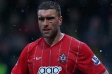 Top English marksman Lambert extends Southampton stay