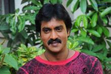 Actor Sunil celebrates birthday with blind children