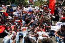 Protests continue in TN against SL players in IPL