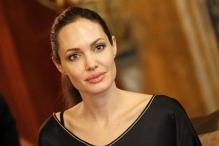 Jolie to sell jewelry line to fund overseas schools