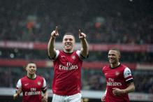 Arsenal fight back to climb to third in league