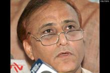 Azam Khan accuses Khurshid of hatching a conspiracy