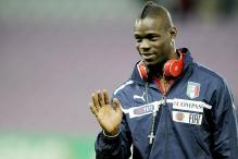 AC Milan striker Balotelli fined for smoking in train toilet