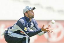 Pakistan asylum-seeker Fawad Ahmed signs with Victoria