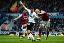 Manchester United held to 2-2 draw at West Ham