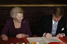 Dutch King Willem-Alexander succeeds mother Beatrix
