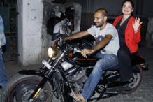 StarGaze: Pooja Bhatt, Mahesh Bhatt attend the screening of 'Aashiqui 2' and more