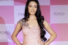 Navneet Kaur Dhillon sets sight on Bollywood