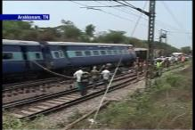 TN: Muzaffarpur-Yesvantpur train gets derailed, 1 dead