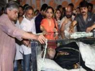 Photos: Soumitra Chatterjee, Mrinal Sen and others bid farewell to Rituparno Ghosh