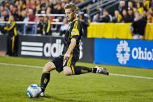 Gay soccer player Robbie Rogers joins LA Galaxy