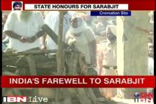 Sarabjit cremated with state honours as politicians hog the limelight