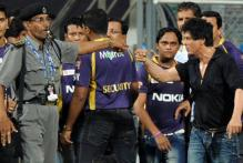 Maha Cong writes to MCA to allow SRK at Wankhede