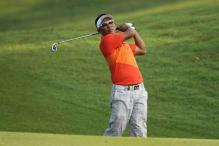 Jet-lagged Els stays in hunt in Indonesia, Thongchai leads