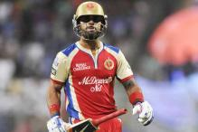 Royal Challengers captain Virat Kohli booed at Delhi airport