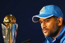 Unfair to compare Dhoni with former captains: Ex-cricketers