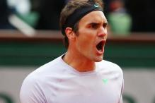 Roger Federer records 'double bagel' in Halle