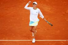 Francesca Schiavone eases into French Open 4th round