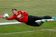 Arsenal set to sign Brazil goalkeeper Julio Cesar