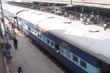Latehar: Narrow brush for passengers of Palamau Express