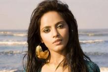 Neetu Chandra takes cover under burqa