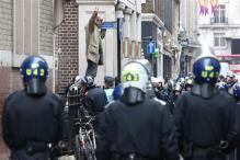 Riot police clash with anti-G8 protesters in London, arrest 32