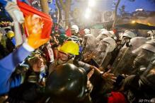 Riot police end Istanbul park protest