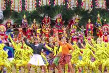'Chennai Express' new stills: Shah Rukh, Deepika are effortlessly entertaining in 'Kashmir main, tu Kanyakumari'