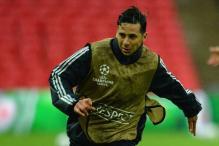Peru striker Pizarro signs 1-year Bayern extension