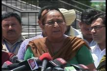 Sarabjit's sister demands to bring back his belongings from Pak