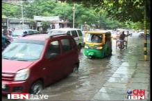Heavy downpour triggers massive traffic snarls in Delhi