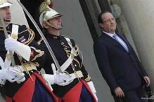 France's Francois Hollande in tight spot on pension reform