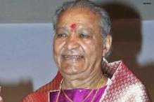 Big B praises Hariprasad Chaurasia on his 75th birthday