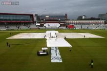 The Ashes: Fortune smiles on England as weather hits third Test