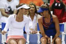 Hingis returns to professional tennis with doubles win in Carlsbad