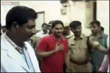 Police break Jagan's indefinite fast, take him to hospital