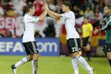 Germany strikers Gomez, Klose are my first choice: Loew