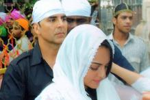 Akshay, Sonakshi pray at Ajmer dargah for the success of 'OUATIMD'