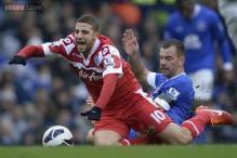 QPR midfielder Taarabt joins Fulham on loan