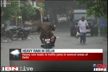 Delhi hit by traffic snarls as rain continues to lash the city