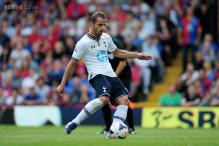 Roberto Soldado penalty helps Tottenham edge Crystal Palace