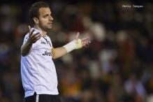 Roberto Soldado completes big-money move from Valencia to Spurs