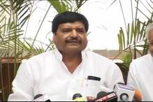 Shivpal Yadav distributes free laptops to 628 students