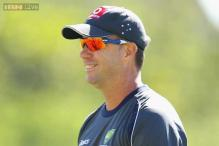 Stuart Law replaces Darren Lehmann as Queensland coach