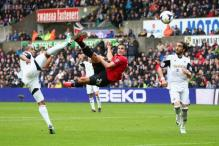 Manchester United cruise to 4-1 win against Swansea