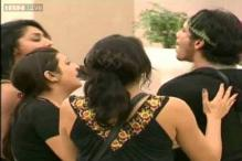 'Bigg Boss' strategy for soaring TRPs? Intimate moments, fake fights, cuss words?