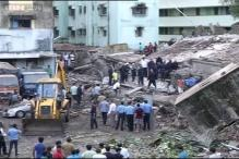 Mumbai: Onlookers cheer as rescue team pulls out 5-year-old girl alive from debris