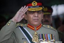 Pakistan Army Chief visits LoC to assess the situation